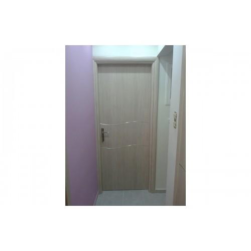 Πορτα Laminate με λαμακια